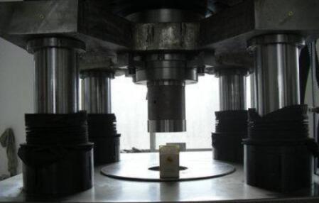 氧化铝陶瓷干压成型